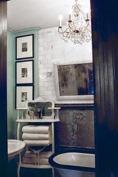 Tapetointia kotona - New wall mural in my tiny kitchen       Valokuvatapetilla saa helposti uutta ilmettä kotiin. Tapetteja löytyy nykyää...