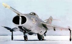 Aviones Caza y de Ataque: Yak-36 Freehand         Armamento Armas de fuego: Provisión por un 23 mm (0.91 in) GSH-23L cañón Hardpoints: 2 con una capacidad de 100 kg,