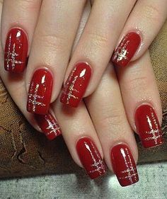 Red nails with metallic silver design - . - Red nails with a metallic silver design Informations About Rote Nägel mit metallisch silbernem Desi - Red And Gold Nails, Gold Nail Art, Red Nails, Metallic Nails, Red Manicure, Matte Nails, Gold Nail Designs, Fingernail Designs, Xmas Nails