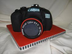 Canon camera cake. Great groom's cake or birthday cake! www.cake-expressions.com