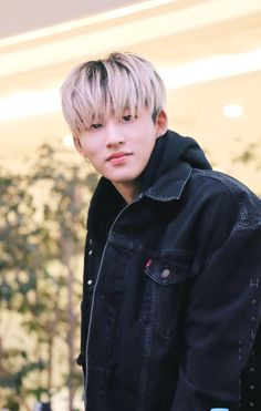 Ikon - Oh god.so pretty << I wish he knew it. Kim Hanbin Ikon, Ikon Kpop, Korean Celebrities, Celebs, Ikon Debut, Jay Song, Hip Hop, Double B, Gothic Rock