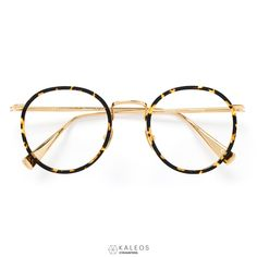 fb08ba59982 The KALEOS EYEHUNTERS    QUAYLE offers a classic P-3 shape crafted out of
