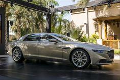 La superberlina marchiata dell'Aston Martin marchiata Lagonda ha debuttato a Dubai col nome di Taraf.