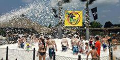 Grand Prix Événement culturel: Dans un Jardin, bain moussant au Zoo de Granby - Infopresse Mousse, Grand Prix, Dolores Park, Travel, Design, Gardens, Cultural Events, Viajes