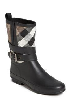 Pretty Burberry Rain Boots http://rstyle.me/n/td5pibh9c7