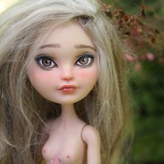 Retrouvez cet article dans ma boutique Etsy https://www.etsy.com/fr/listing/466456351/ever-after-high-ooak-rosaceae-doll