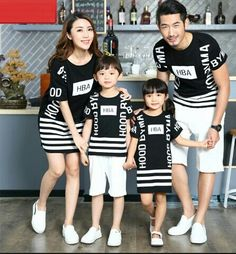 Casual Family Matching Outfits Mother/Mom and Daughter Dresses Family Clothing Father Son T-shirt Clothes Matching Clothing Family Picture Outfits, Matching Family Outfits, Kids Outfits, Mommy And Son, Father And Son, Family Clothing Sets, Mother Daughter Outfits, Kids Frocks, Kids Wear