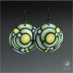 Bettina Welker, Art Deco earrings. Tutorial available on craftartedu.com love the colors and texture