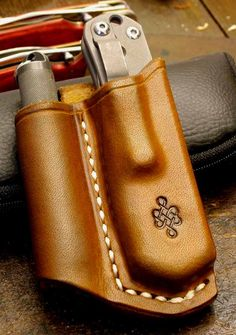 Leather Some tips and thoughts on folder sheaths - Combo sheaths