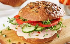 Frokostrundstykker Salmon Burgers, Chicken, Ethnic Recipes, Food, Meals, Cubs