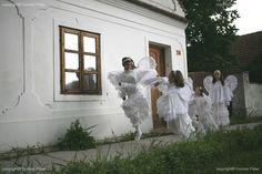 Angels in Magyarpolány (by Peter Korniss)