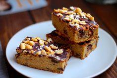 Kikærter? I en kage? Ja du har læst helt rigtigt. En sundere og lækker peanutkage med kikærter og mørk chokolade. Jeg tror, at den vil overbevise dig.
