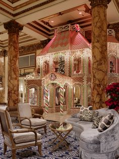 Fairmont San Francisco at Christmas - World Famous Gingerbread House