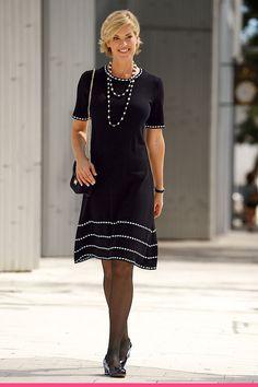 Strikkekjole for store størrelser Meyer Mode, Sophisticated Style, Elegant, Shirt Dress, T Shirt, Clothes For Women, My Style, Lady, Tops