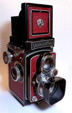 Yashicaflex B restore 1 Antique Cameras, Old Cameras, Vintage Cameras, Kodak Camera, Camera Gear, Twin Lens Reflex Camera, Classic Camera, Accesorios Casual, Photography Camera