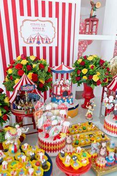 Aniversário com tema Circo! Decoração Fernanda Kherlakian #festacirco #festadecirco #circusparty #circus #decor #partyideas #kidspartyideas