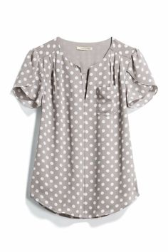 Another great polka dot blouse, don't mind that gray at all but what about a color that really POps?I like the gray with polka dots, short sleeves, flowy fit, nice for workI love this top Stitch Fix!This top would be cute with colored skinnies or c Casual Outfits, Cute Outfits, Fashion Outfits, Blouse Styles, Blouse Designs, Polka Dot Blouse, Polka Dots, Stitch Fix Outfits, Stitch Fix Stylist