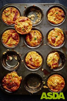Joe Wicks's recipe for goat's cheese and chorizo 'muffins' make the perfect low carb snack for rest days. Try them for breakfast or in a lunchbox, too! Yummy Chicken Recipes, Yum Yum Chicken, Yummy Food, Joe Wicks Recipes, Low Carb Recipes, Cooking Recipes, Healthy Recipes, Clean Eating Recipes, Family Meals