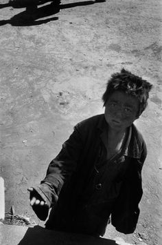 Werner Bischof / Seoul. Beggar. 1952.