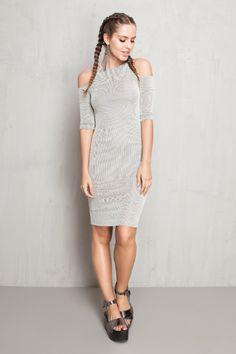 vestido recorte canelado preto e branco | Dress to