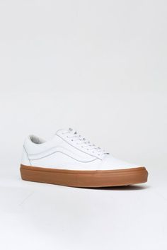 Note: This piece is unisex. Sizes are in US Men's sizing.Vans and Opening Ceremony team up for the holidays to bring you revamped versions of celebrated classics. From the SK8-Hi sneakesrs to their classic Old Skool's kicks and those universally loved slip-ons, this holiday  you can count this collaboration as being on the top of everyone's wish list. - Lace-up low-top sneaker with side stripe- Round toe- Leather upper, cushioned insole, rubber sole- Made in China                  (SKU…