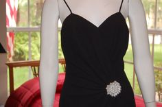 Vintage little black dress/ cheap vintage by Cheapvintagefashion, $28.50 https://www.etsy.com/shop/Cheapvintagefashion