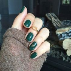 Happy Vegan & Cruelty-Free Manicure Monday! When LVX recently came out with their Fall/Winter 2016 collection, I was dying to paint my pretty lil' paws this gorgeous shade of green, Oasis. I mean, c'm