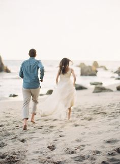Relaxed Coastal Engagement Session | Wedding Sparrow | Cassidy Carson Photography