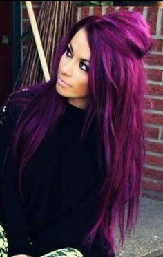 Not only her hair is a stunning colour. She's stunning..x