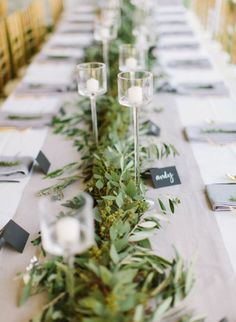 Greenery Table Runner | Loft Photographie | Styling Guide for a Rustic Modern Wedding with Graphic Details and Tassel Garlands