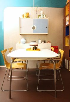 10 Totally Modern Rooms that Rock a 1970's Style | Apartment Therapy