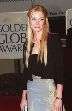 yes! i've been searching for a pic of this forever.  my ultimate style moment, golden globes 1999
