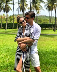 Olivia Palermo With Her Husband August 2018 - Fashion, Street style, Haute Couture Estilo Olivia Palermo, Olivia Palermo Outfit, Olivia Palermo Lookbook, Olivia Palermo Style, Cute Couples Goals, Couple Goals, Couple Style, Happy Couples, Johannes Huebl