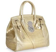 NEED THIS I should buy my mother a  casual handbag !! Maria  will want this !