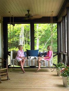 Sleeping Porch---This summer cabin's sleeping porch has a custom swinging daybed. The daybed also offers overnight guests a place to sleep. Read more: Porch and Patio Decorating Ideas - Outdoor Room Ideas - Country Living Cabin Porches, Decks And Porches, Screened In Porch, Front Porches, Side Porch, Outdoor Rooms, Outdoor Living, Outdoor Decor, Outdoor Patios