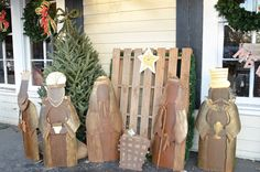 Recycled Nativity using an old pallet. @anny