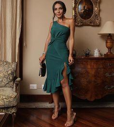 with ・・・ Saidinha com meu amor 💙 Dress com babados Elegant Dresses, Cute Dresses, Beautiful Dresses, Short Dresses, Formal Dresses, Chic Dress, Classy Dress, Classy Outfits, Dress Up