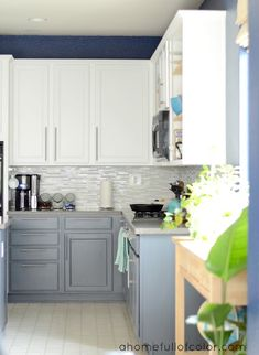 Love the white on top/blue-gray on bottom. And the dark blue wall color. And just about everything else!
