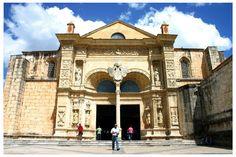 Catedral de Santo Domingo. Hoy tiene el título de catedral primada de América, por ser la más antigua del continente (edificada entre 1521 y 1541).