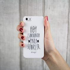 """Carcasa en blanco para iPhone 4 y 4s. """"Hoy es un buen día para sonreír"""". Se venden en: www.mrwonderfulshop.es #carcasa #iphone #funda"""
