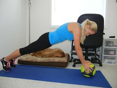 Blonde Ponytail: 5 Moves for a Solid Core