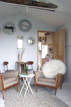 Green + Tech = True Love | Apartment Therapy. Can you say Giant Powder Puff? Love the Fluffy Big Pillow!