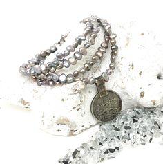 Wickelarmbänder - Wickelarmband Süßwasserperlen Münze - ein Designerstück von moanda bei DaWanda