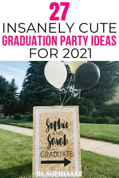 i love going all out when i throw parties so i was on the hunt for the best 2021 high school graduation party ideas. i found this post and it had so many good ideas!! cant wait for my grad party now Vintage Graduation Party, Outdoor Graduation Parties, Graduation Party Centerpieces, High School Graduation Gifts, Graduation Party Themes, Graduate School, Graduation Ideas, Graduation Decorations, Grad Parties