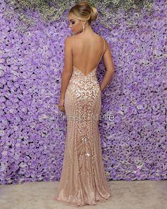 Costas do vestido Stunning Prom Dresses, Gold Prom Dresses, Gala Dresses, Quinceanera Dresses, Dance Dresses, Pretty Dresses, Beautiful Dresses, Homecoming Dresses, Bridesmaid Dresses