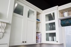 Traditional kitchen. Overhead cabinets. www.thekitchendesigncentre.com.au