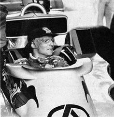 Niki Lauda de Copersucar. Não, ele não correu pela equipe brasileira. Então o que fazia ali oras bolas.