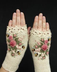 Knitted Fingerless Gloves Ivory Roses Rose Pastel Pink Bees Clothing And A Knitted Fingerless Gloves Ivory Roses Rose Pastel Pink Bees Clothing And Accessories Gloves Fingerless Gloves Knitted, Crochet Gloves, Hand Knitting, Knitting Patterns, Knitting Tutorials, Hat Patterns, Loom Knitting, Stitch Patterns, Diy Accessories