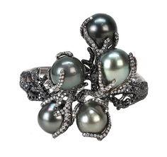 Wendy Yue black pearl cuff at Fragments.com  | #WendyYue #BlackPearlJewelry #VonGiesbrechtJewels