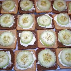 Cucumber Sandwiches- rye squares, cream cheese mixed with italian dressing packet, cucumber, sprinkle more on top Appetizer Ideas, Appetizer Recipes, Appetizers, Cream Cheese Toast, New Years Eve Food, Ranch Dip, Cucumber Sandwiches, Rye Bread, Italian Dressing